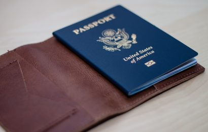 Nên làm visa tự túc hay thông qua dịch vụ